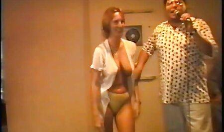 Maak een slimme film bdsm sex take op een blondje in de winter op de weg, neem het mee naar huis en verbrand het