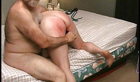 Het feest eindigt gratis sm film met hete seks met dronken meisjes.