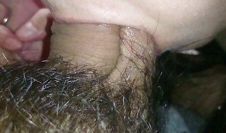 De schoonheid aarzelt niet om in het openbaar te sm pornofilms neuken.