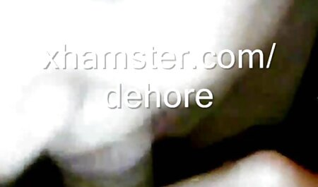 Blond in lingerie wordt geneukt door rusteloze bdsm pornofilms baas.