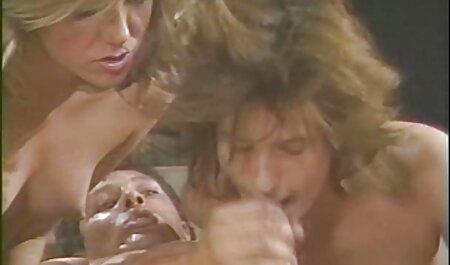 Na een pijpbeurt wordt busty Russian genaaid door bondage soft porno kanker.