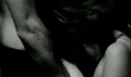 Vrouwen 3d bdsm porno verpletteren hoge hakken kersen