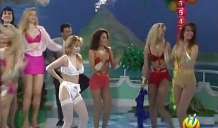 Meisjes gratis sm sex film met tepelpiercings houden het nauwelijks vol nadat twee leden neuken.