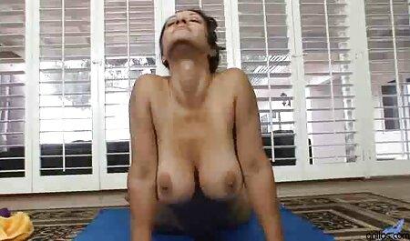 Lesbiennes die een hoed strelen met slanke bondage sm porno benen