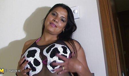 Juna young free porno sm met de charme van masturbatie.