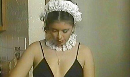 Slim bdsm bondage film Chick rijdt op een lid van haar meester.