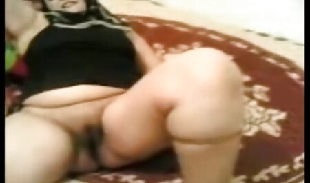 Dik model sex filmpjes sm langzaam uitkleden voor de camera