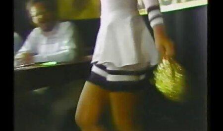 De bdsm sexfilmpjes neger gaf Eden een sterke penis om haar te pijpen en te neuken.
