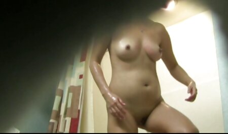 Mooie blonde pijpt lekker. bondage pornofilm