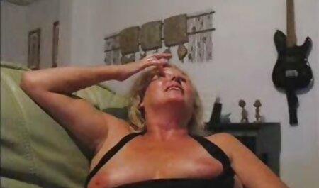 De man neukte de vrouw met kanker en legde hem sm bondage films op de bank.
