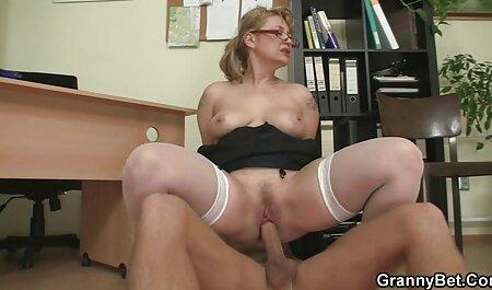 Die Rooie bondage porno Sylvia neukte in een pornofilm.