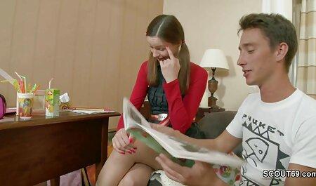 Een rondborstig meisje pakt een gratis sexfilms sm pik in twee gaten tegelijk.