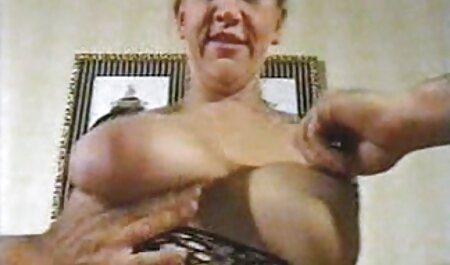 Brunette martelt gratis bdsm trailers de vagina met seksspeeltje.