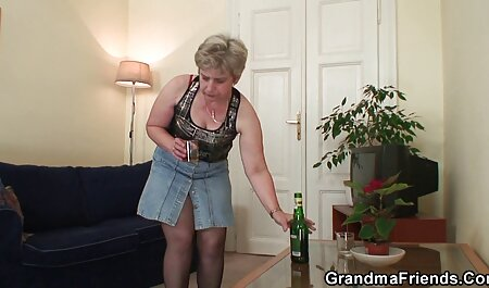 Masseuse neukte sm pornofilms haar geile cliënt.