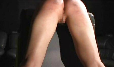 Na de erotische sex filmpjes sm dans, laat Stella, met een gelukkig hart, hem volledig verbrijzeld.