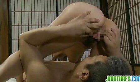 Anna Young laat vagina en klootzakken bondage sex films zien.