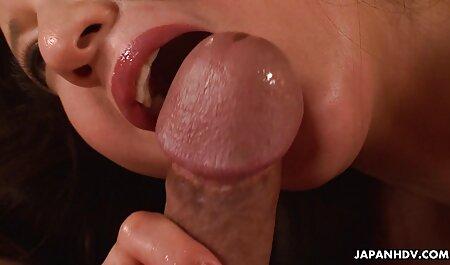 Jasmijn likt Pet bdsm seks film na een massage