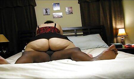Drie 3d bdsm porno lesbiennes die met tong en seksspeeltje werken