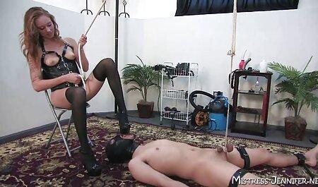 Slim model met prachtige tieten plug bdsm szex film en dildo